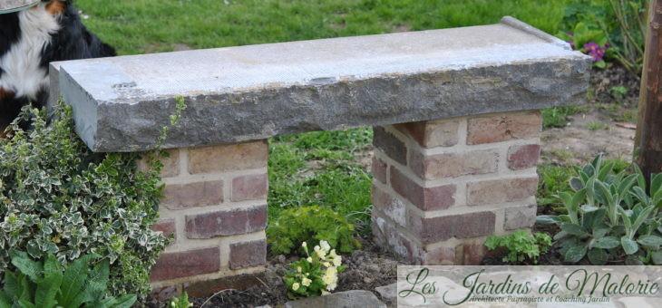 Chroniques de mon jardin: Au bord de la terrasse ronde…
