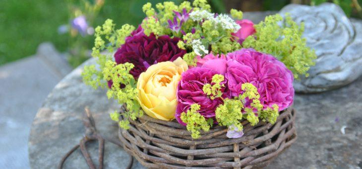 💐 Bouquet de roses du jardin