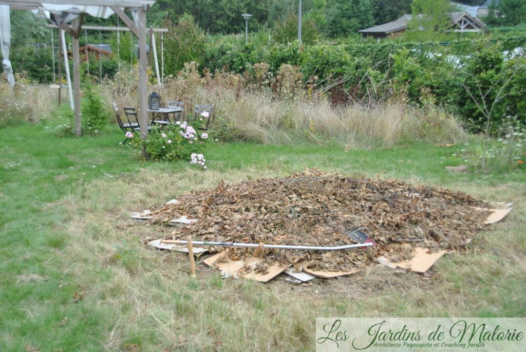 une lasagne au jardin, préparation d'un nouveau massif fleuri