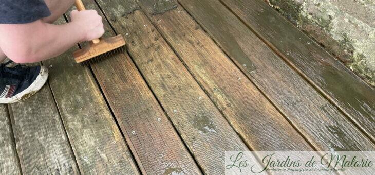 Nettoyage de la terrasse et de la table de jardin